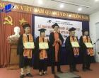 Trường Đại học Mở Thành phố Hồ Chí Minh trao bằng tốt nghiệp loại giỏi cho tân cử nhân 70 tuổi