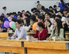 Biểu diễn văn nghệ và làm thiệp handmade chào mừng ngày Nhà giáo Việt Nam