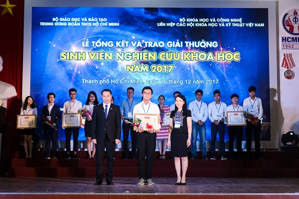 Thông báo về việc xét, cấp học bổng Tài năng (Thành tích Ngoại khóa) Năm học 2016 – 2017