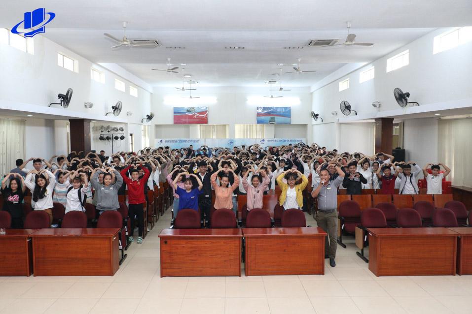 Tân sinh viên khởi động năm học mới với tuần sinh hoạt công dân năm học 2019 – 2020