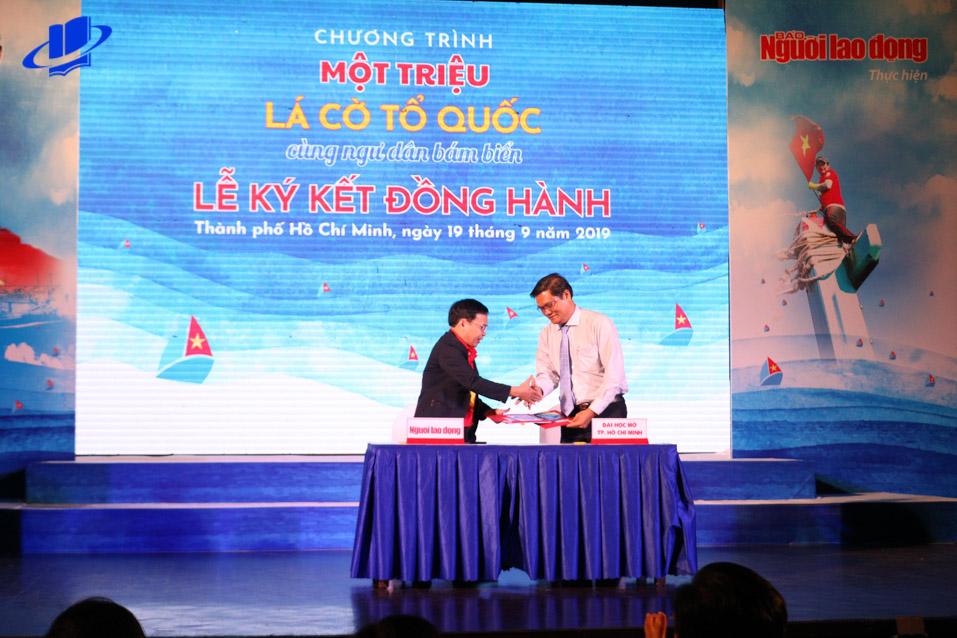 GS.TS. Nguyễn Minh Hà - Hiệu trưởng Trường Đại học Mở Thành phố Hồ Chí Minh tại Lễ Ký kết