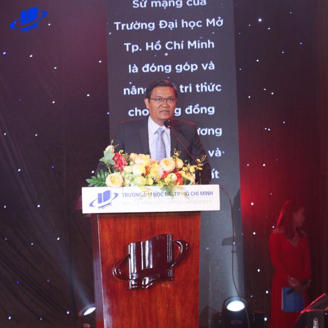 PGS.TS. Nguyễn Minh Hà - Hiệu trưởng Trường phát biểu tại buổi Lễ