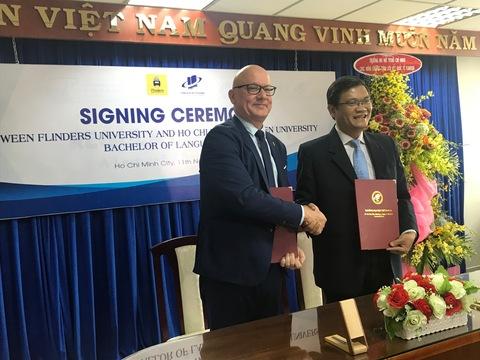 Trường Đại học Mở Thành phố Hồ Chí Minh mở rộng hợp tác quốc tế với lễ ký kết cùng Asiabroad