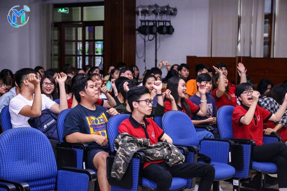 Gần 200 thành viên của 20 câu lạc bộ - đội – nhóm trong toàn trường tham gia buổi tổng kết họp mặt cuối năm