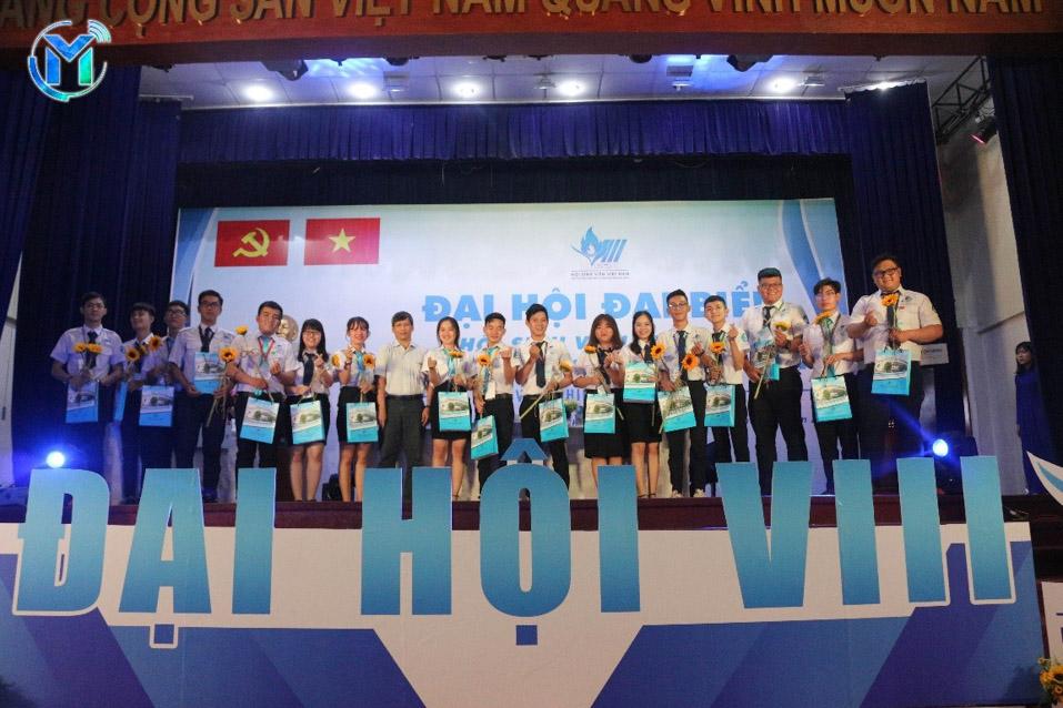 Ban Chấp hành Hội Sinh viên trường nhiệm kỳ 2017 – 2019 tuyên bố kết thúc nhiệm kỳ trước sự chứng kiến của toàn thể đại hội, đại hội trân trọng ghi nhận những đóng góp quý báu của các đồng chí đã dành cho công tác Hội và phong trào sinh viên của trường đại học Mở TP.HCM.