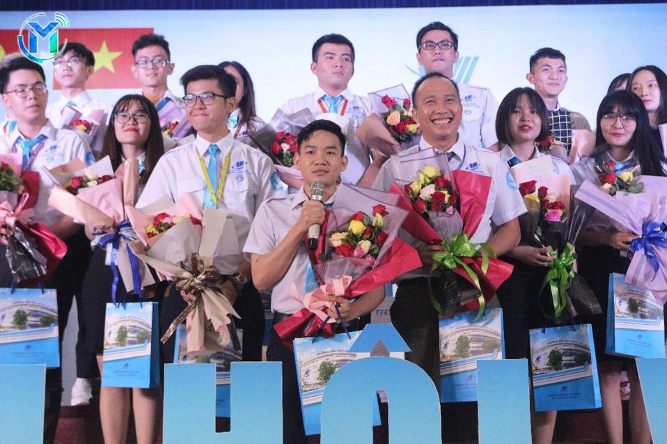 Đồng chí Thái Trọng Nghĩa – Chủ Tịch Hội Sinh viên trường khóa VIII đại diện Ban chấp hành phát biểu nhận nhiệm vụ tại đại hội.