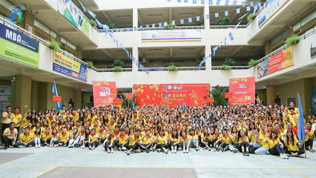 Hơn 500 chiến sĩ đại diện cho gần 800 chiến sĩ của trường trong lễ ra quân chiến dịch năm 2020