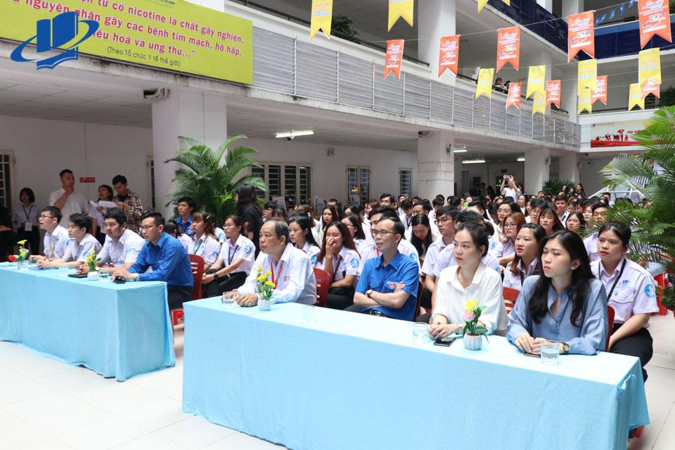 Các đại biểu tải buổi Lễ