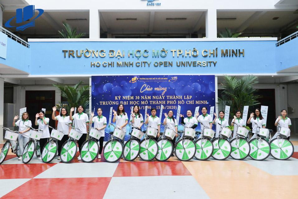 Thông báo Về việc xét khen thưởng cho sinh viên đạt thành tích cao  trong các hoạt động ngoại khóa năm học 2018 – 2019