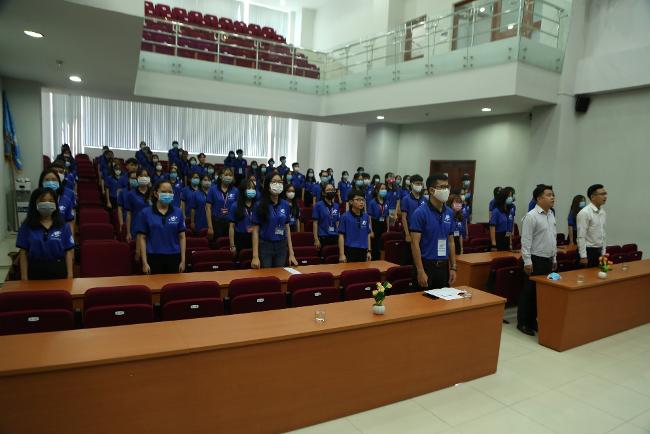 Buổi lễ ra quân Chương trình Đồng hành cùng Tân sinh viên năm 2020 có sự tham gia của hơn 120 tình nguyện viên và đại biểu khách mời