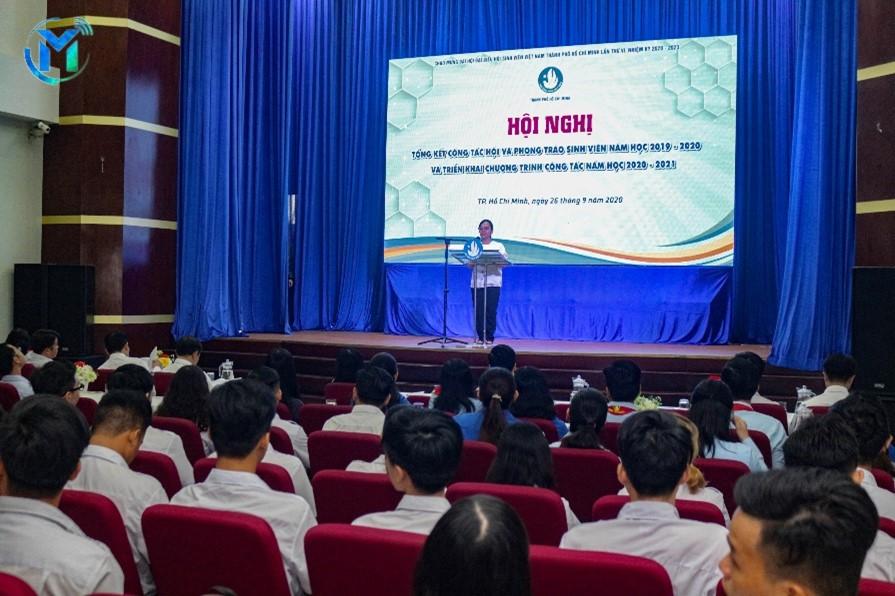Đ/c Ông Thị Ngọc Linh - Ủy viên Ban Thường vụ Thành Đoàn, Phó Chủ tịch Hội Sinh viên Thành phố phát biểu nhận định công tác năm học 2019-2020
