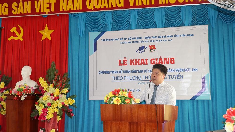 TS. Lê Nguyễn Quốc Khang – Phó Hiệu trưởng phát biểu tuyên bố khai giảng chương trình Cử nhân trực tuyến ngành Ngôn ngữ Anh – Khóa 03/2020