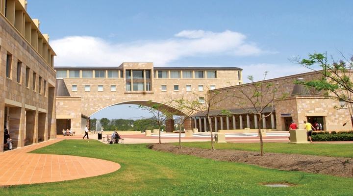 Trường Đại học Mở Thành phố Hồ Chí Minh ký kết hợp tác với Đại học Bond, Gold Coast, Úc