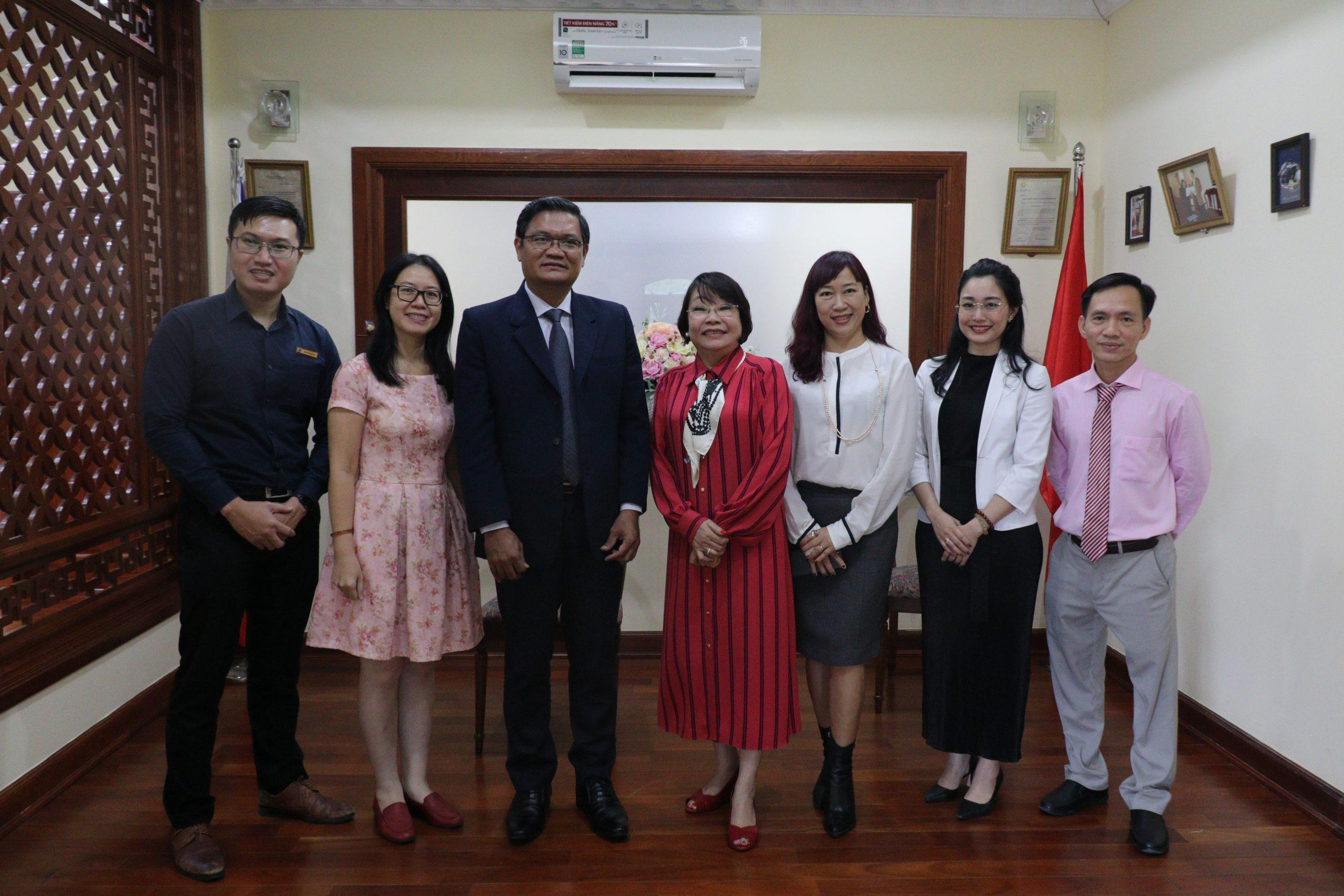 Trường Đại học Mở TP.HCM đến thăm và làm việc với Tổng lãnh sự Philippines