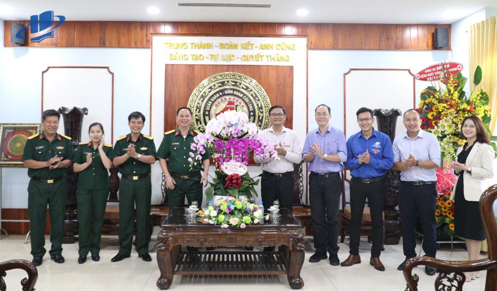 Thăm hỏi, chúc mừng các đơn vị quân đội nhân Kỷ niệm ngày thành lập Quân đội nhân dân Việt Nam