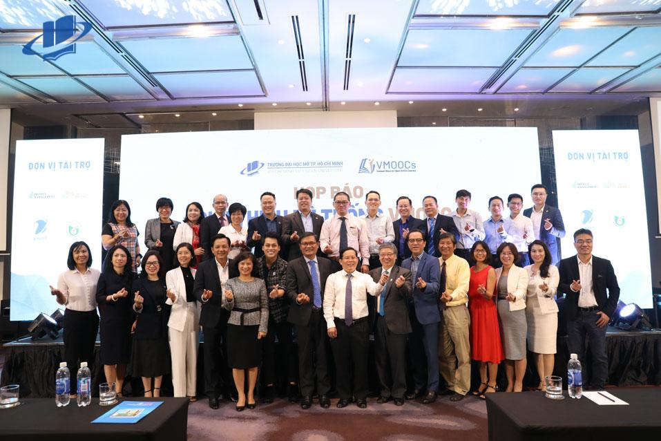 Trường Đại học Mở TPHCM họp báo ra mắt Hệ thống học trực tuyến miễn phí đầu tiên tại Việt Nam