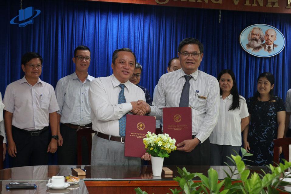 Trường ĐH Mở TPHCM ký kết hợp tác với Ban quản lý khu nông nghiệp công nghệ cao TPHCM