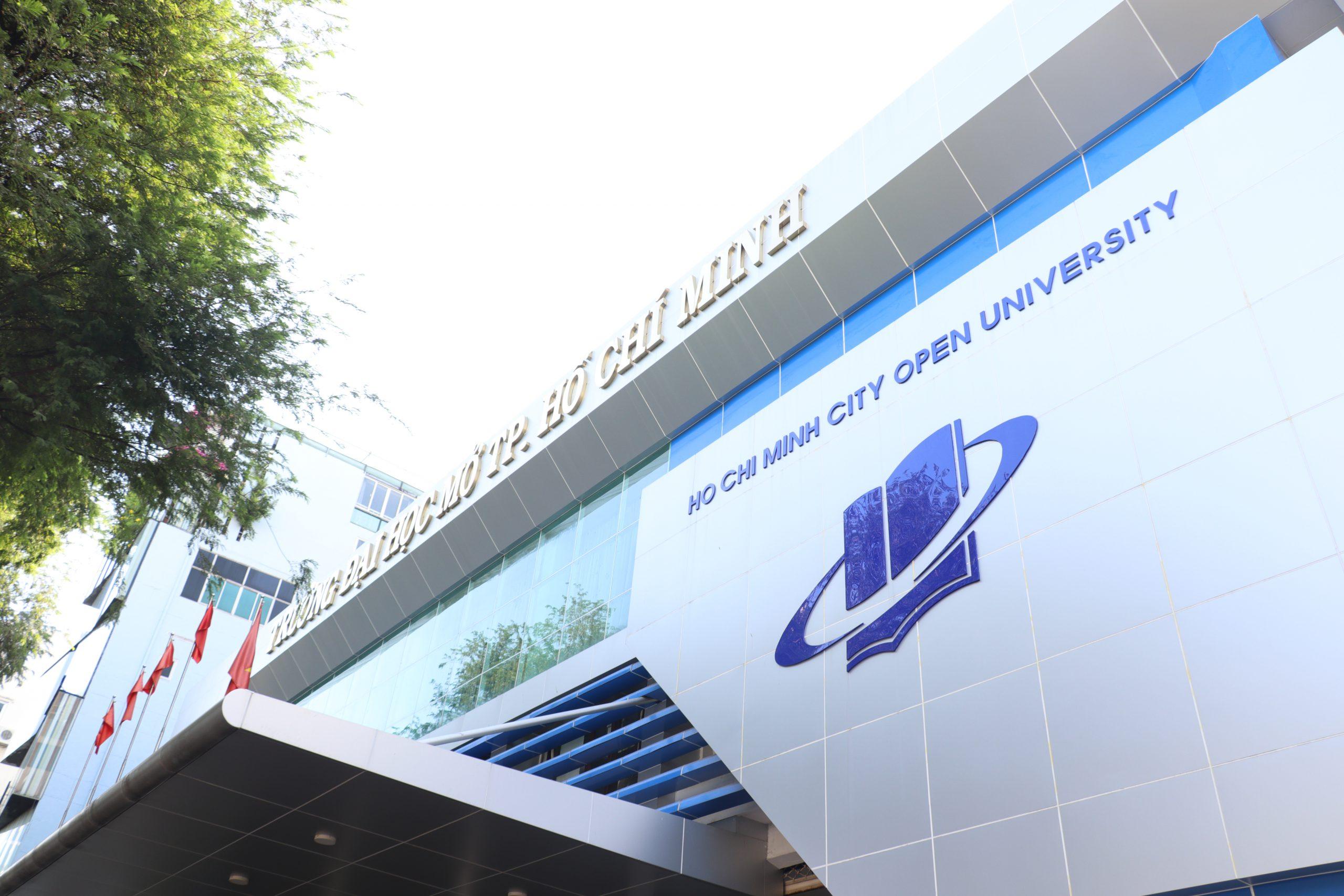 Bộ Giáo dục và Đào tạo khen thưởng cho Trường ĐH Mở TPHCM vì có nhiều bài báo khoa học quốc tế năm 2020