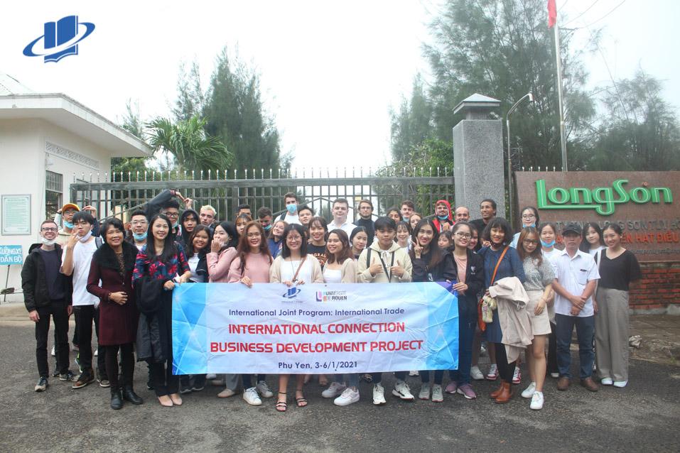 Chuyến đi thực tế trải nghiệm tại Phú Yên của sinh viên Chương trình liên kết quốc tế Rouen