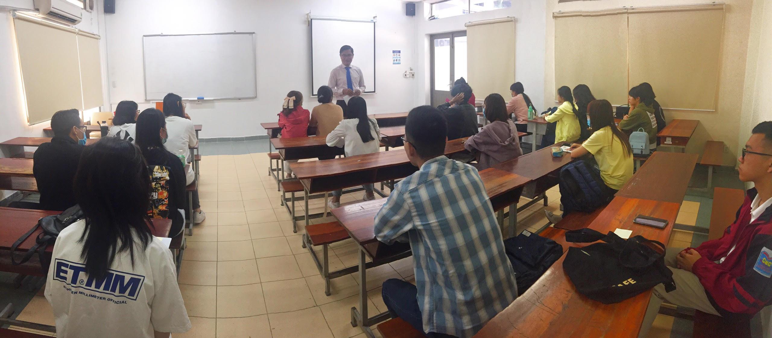 Khoa Đào tạo đặc biệt triển khai Chương trình Tập huấn Trợ lý giảng dạy