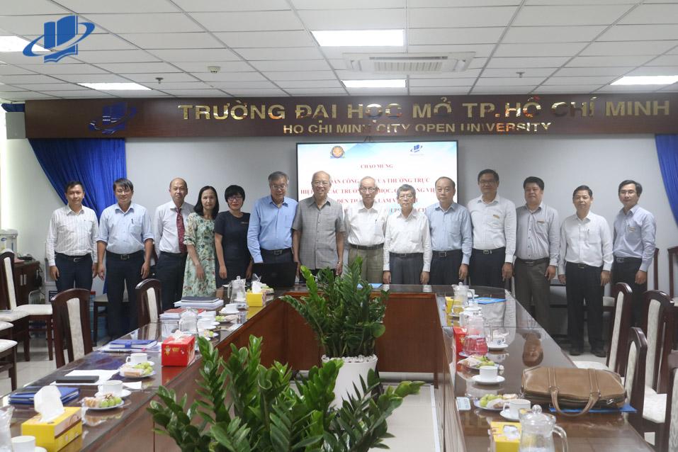 Trường ĐH Mở TPHCM tiếp đón Đoàn Công tác của Thường trực Hiệp hội các Trường Đại học, Cao đẳng Việt Nam đến thăm và làm việc