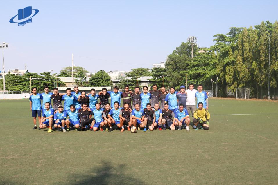 Giao hữu bóng đá giữa cán bộ nhân viên Trường ĐH Mở TPHCM và Ngân hàng BIDV
