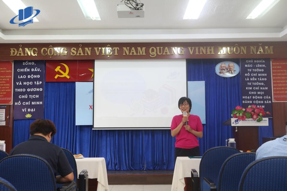 Buổi tư vấn – giới thiệu chương trình tuyển sinh Thạc sĩ 2021 – Đợt 1, Trường đại học Mở thành phố Hồ Chí Minh.