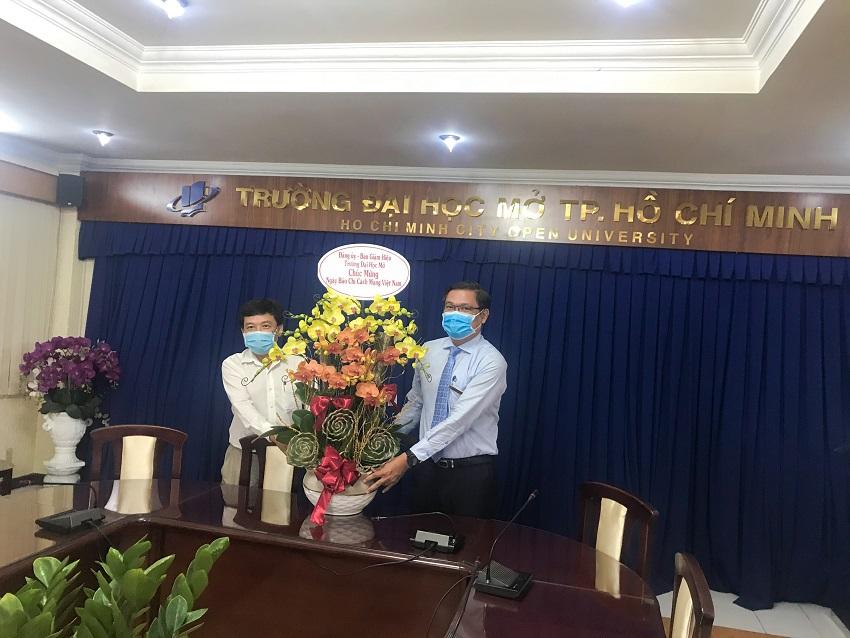 Trường Đại học Mở TP.HCM chào mừng 96 năm Ngày Báo chí Cách mạng Việt Nam (21/6/1925 – 21/6/2021)